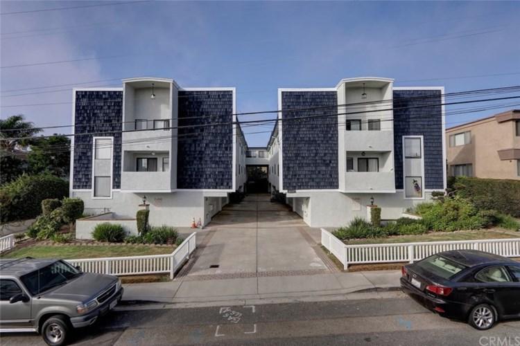 2115 - 2117 Carnegie Lane, Redondo Beach, CA 90278