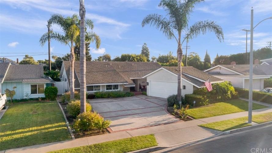 1811 Pitcairn Drive, Costa Mesa, CA 92626