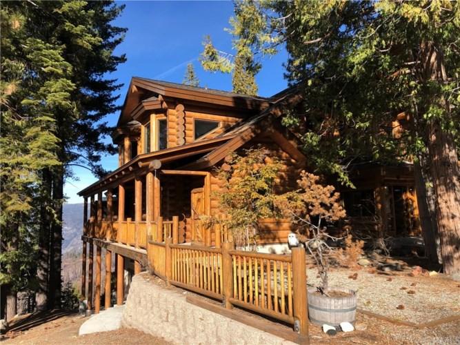 7305 Yosemite Park Way, Yosemite, CA 95389