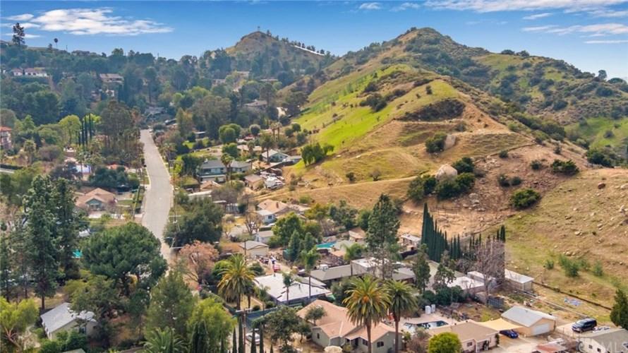 9711 Wheatland Avenue, Shadow Hills, CA 91040