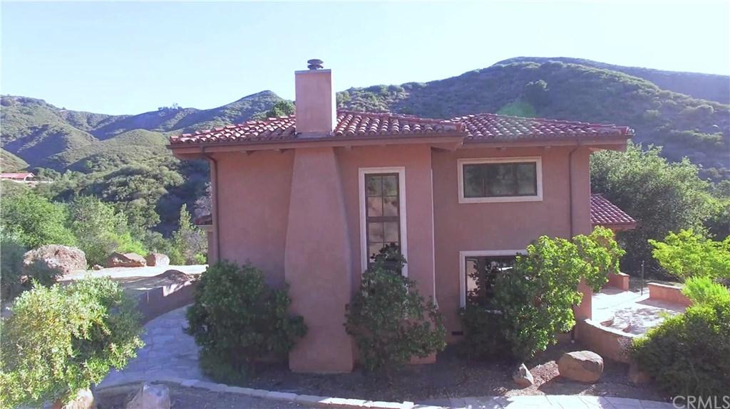 8870 Tassajara Creek Road, Santa Margarita, CA 93453