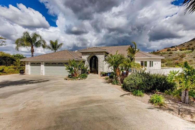 1375 Las Vistas Road, Fallbrook, CA 92028