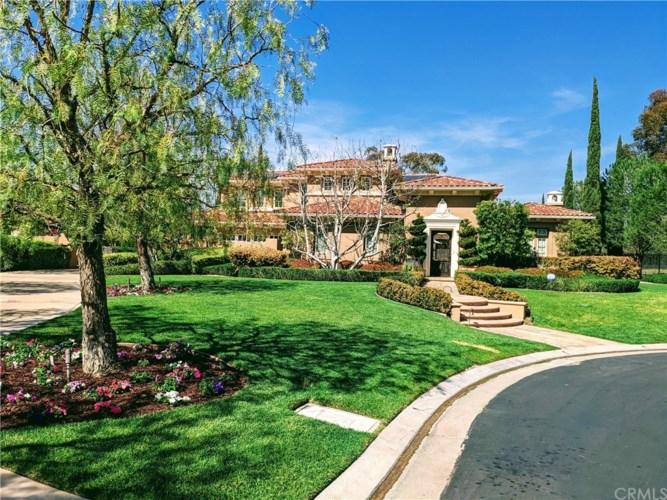 2675 Bronzewood Drive, Tustin, CA 92782