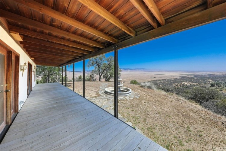 47385 Ridge Route Road, Lake Hughes, CA 93532