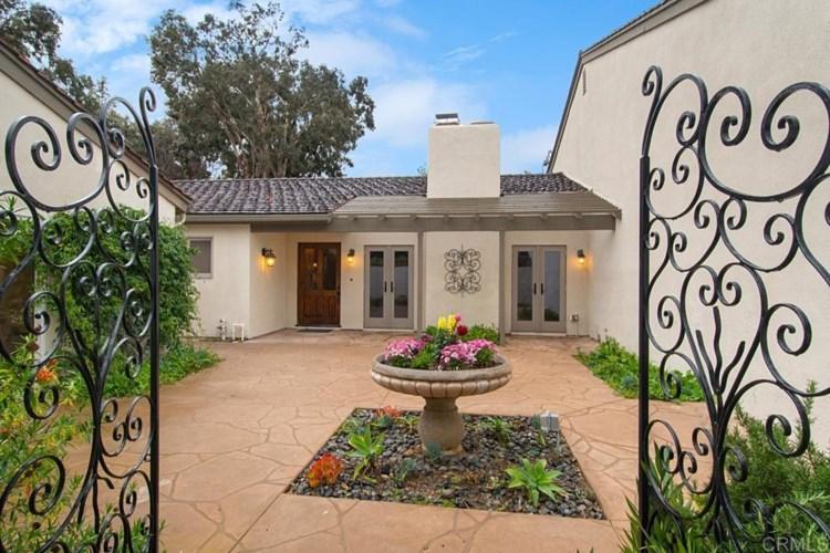 16902 Via de Santa Fe #2, Rancho Santa Fe, CA 92067
