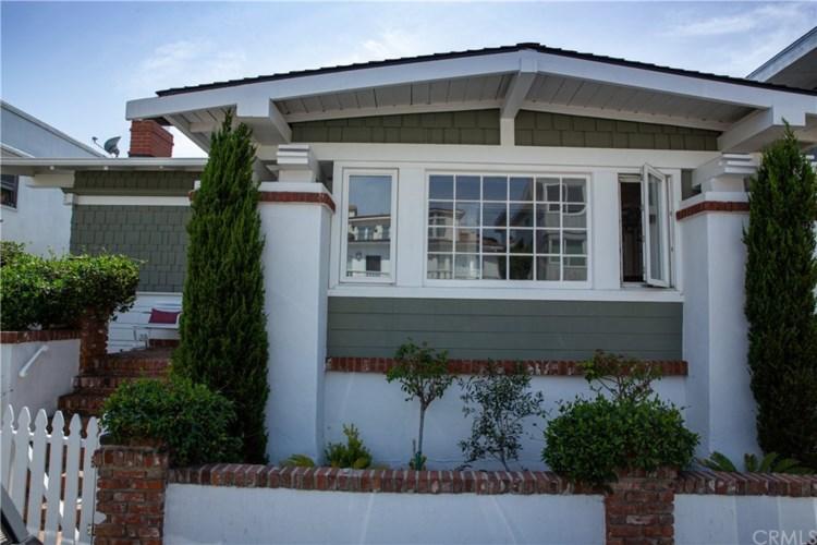 1011 Manhattan Avenue, Hermosa Beach, CA 90254