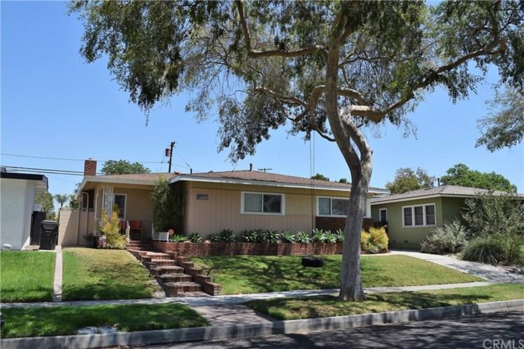 2410 Vuelta Grande Avenue, Long Beach, CA 90815