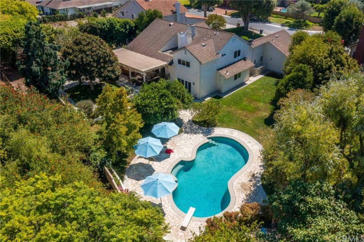 17 Country Meadow Road, Rolling Hills Estates, CA 90274
