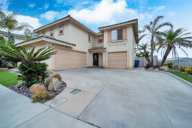 10394 Valley Waters Dr, Spring Valley, CA 91978