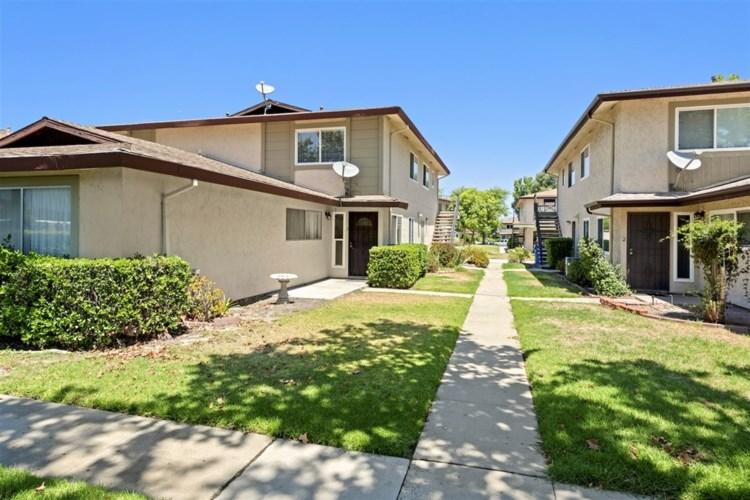 9856 Buena Vista Ave #2, Santee, CA 92071
