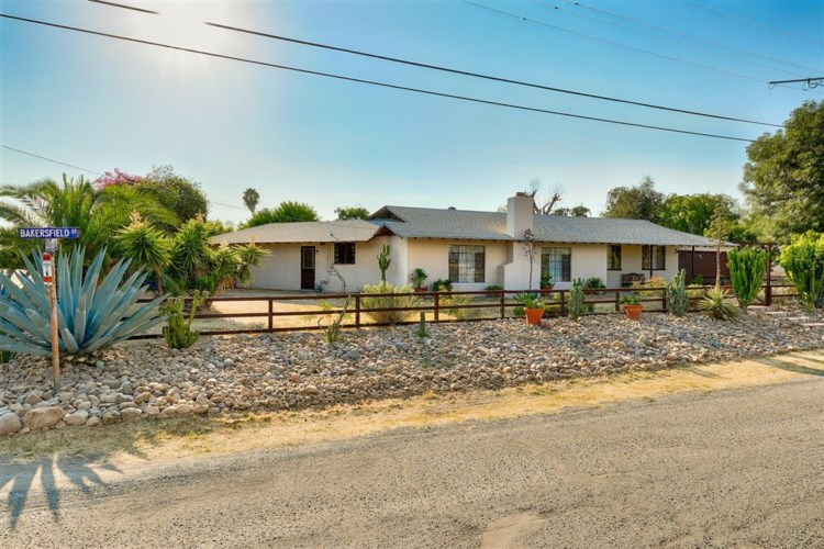 1606 Bakersfield St, Lemon Grove, CA 91945