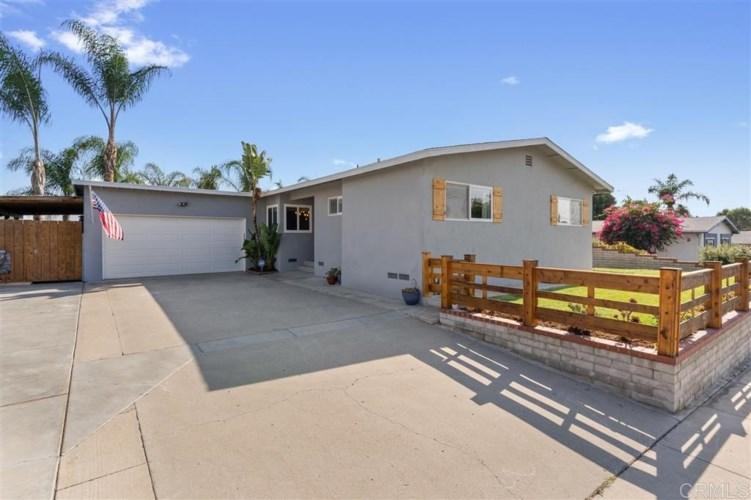7975 Rainey St, La Mesa, CA 91942