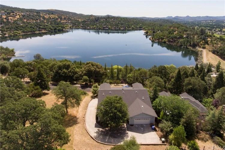 16940 Knollview Drive, Hidden Valley Lake, CA 95467