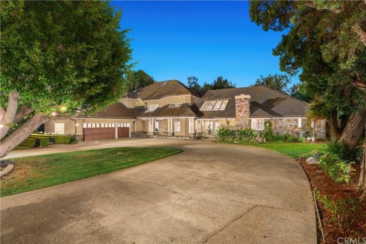 10511 S Woodview Circle, Orange, CA 92869
