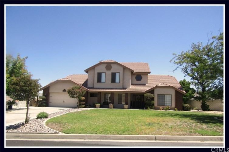 13565 Chinquapin Drive, Victorville, CA 92395