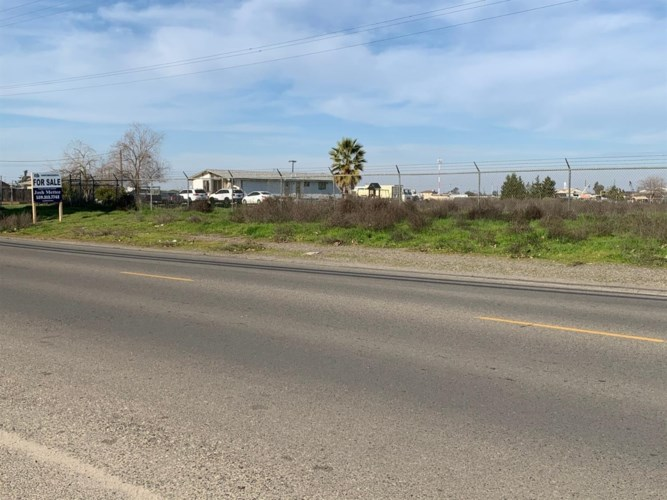 13498 S Henderson Road, Caruthers, CA 96309