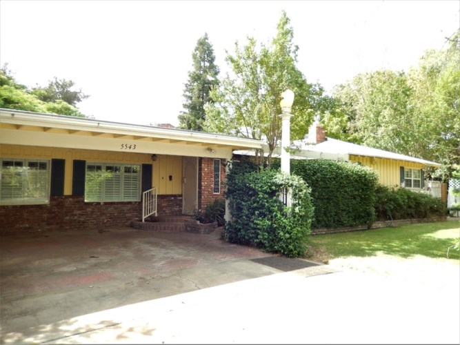 5543 N 7th Street, Fresno, CA 93710