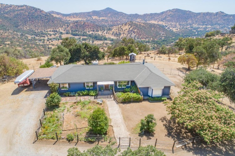 41301 Partridge Lane, Squaw Valley, CA 93675