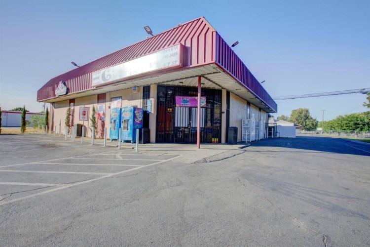 836 T Street, Merced, CA 95341