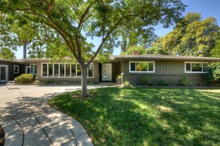 1038 E Rialto Avenue, Fresno, CA 93704
