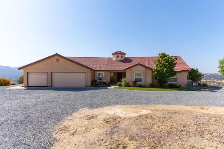 28067 Circle J Ranch Road, O neals, CA 93645