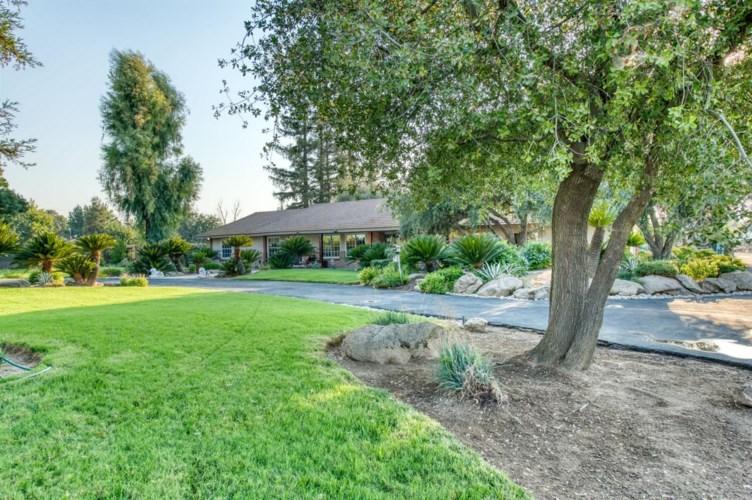 1221 N Mccall Avenue, Sanger, CA 93657