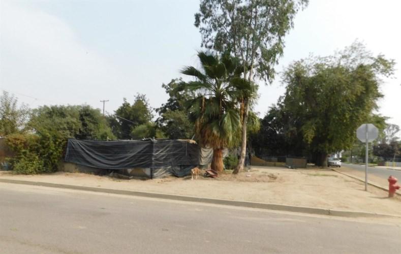 10742 E Chico Avenue, Del Rey, CA 93616