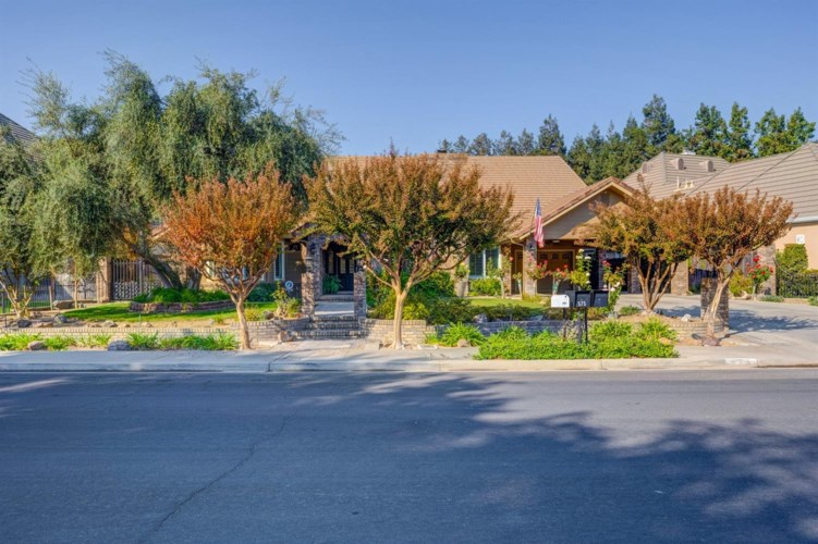 575 S Boyd, Kerman, CA 93630