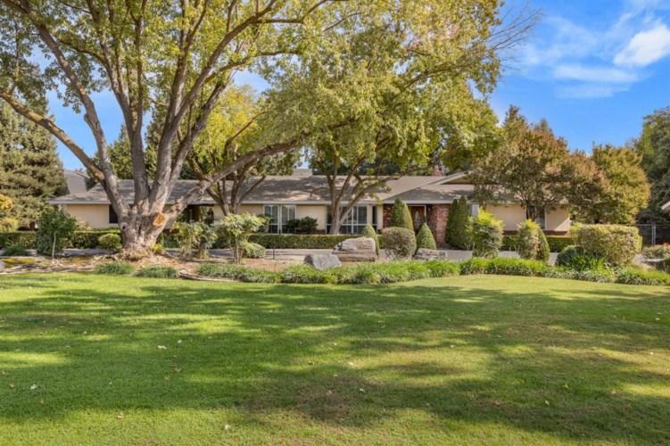 2540 N De Wolf Avenue, Fresno, CA 93737