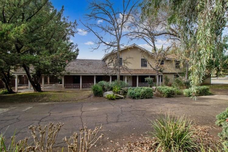 1601 N De Wolf Avenue, Fresno, CA 93737