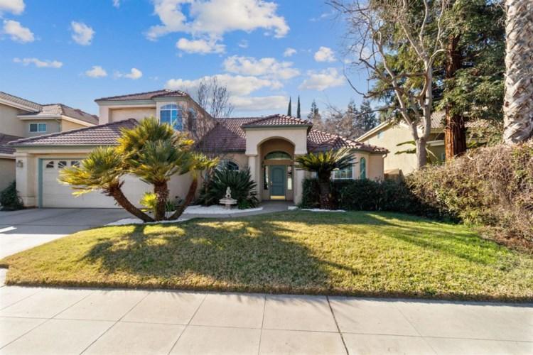 8819 N Woodrow Avenue, Fresno, CA 93720