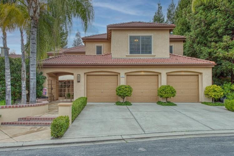 10322 N Sinclair Circle, Fresno, CA 93730