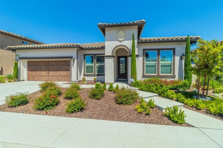 1824 E Benvenuto Drive, Fresno, CA 93730