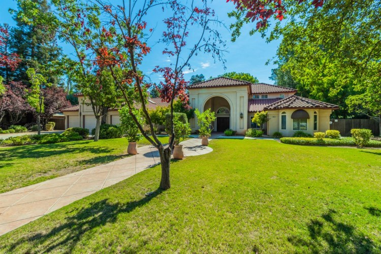 6622 N Forkner Avenue, Fresno, CA 93711