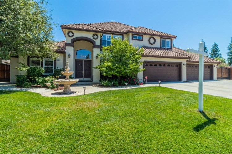 2452 Trenton Avenue, Clovis, CA 93619