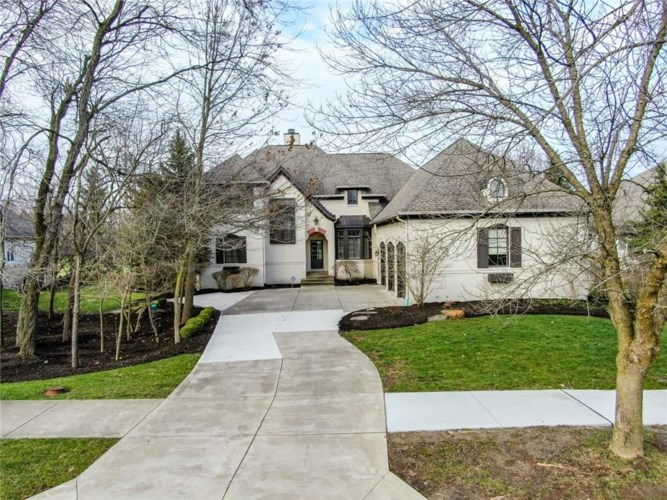 11300 Hawthorn Ridge, Fishers, IN 46037