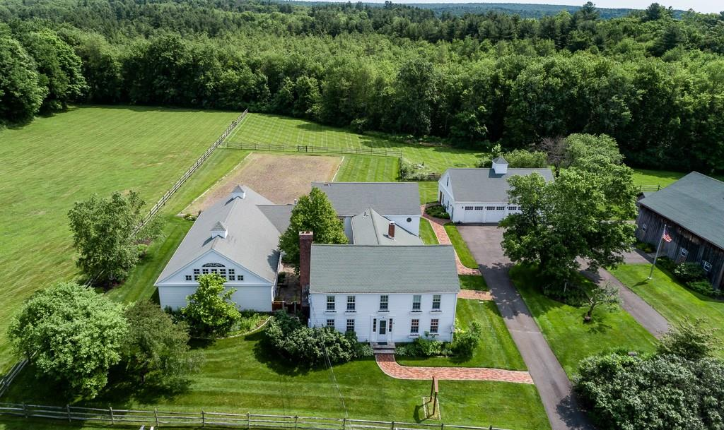 52 Old Bay Rd , Belchertown, MA 01007