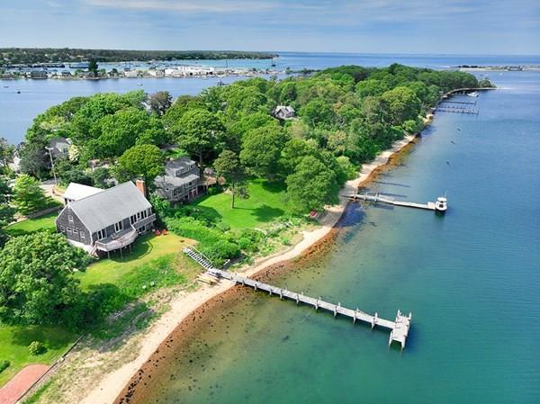 105 Hines Point Rd , Tisbury, MA 02568