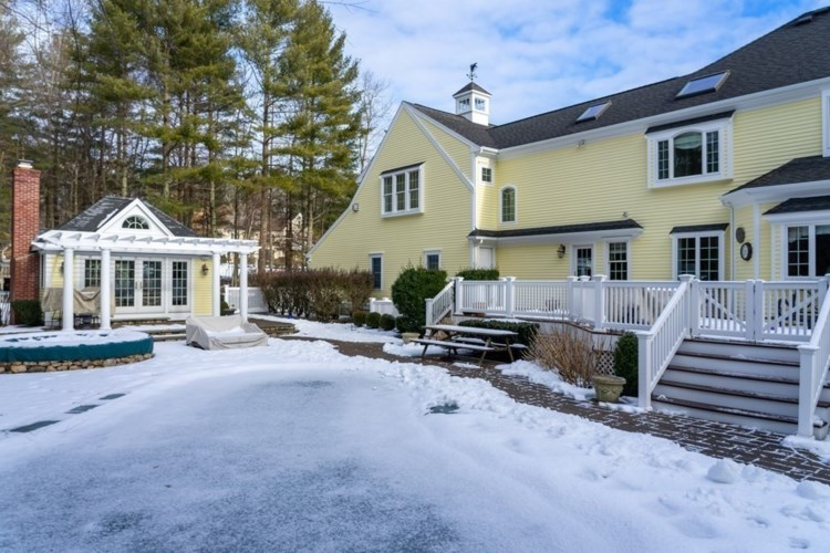 9 Autumn Lane, Norwell, MA 02061