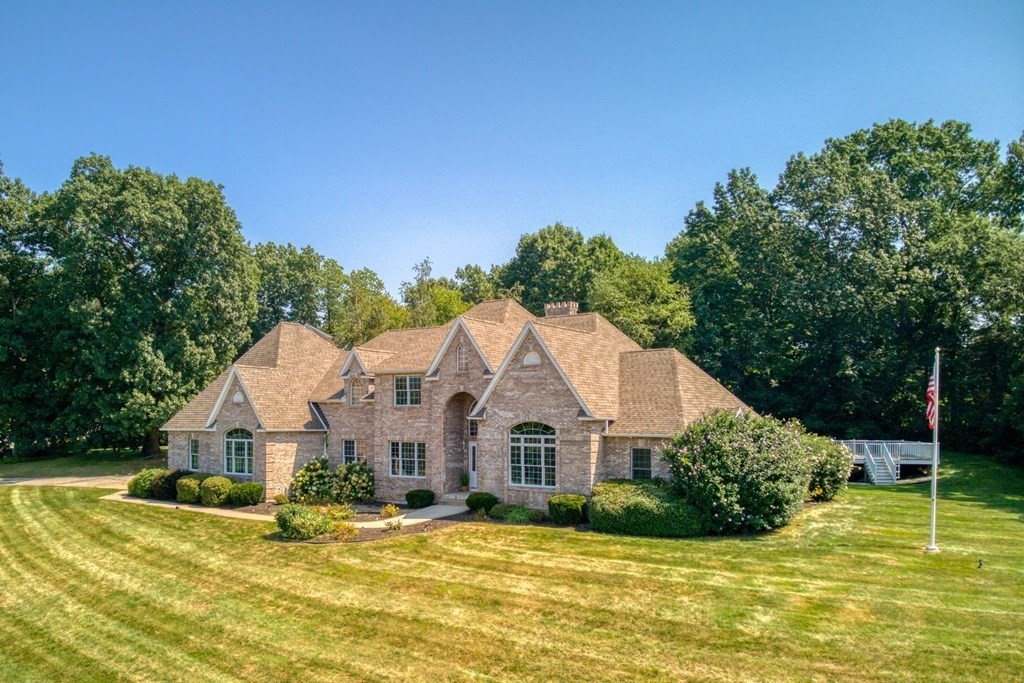17 Valley View Dr , South Hadley, MA 01075