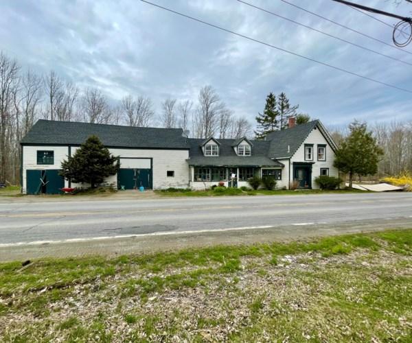 863 Beach Road, Lincolnville, ME 04849