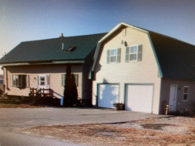 13 Old County Road, Fairfield, ME 04937
