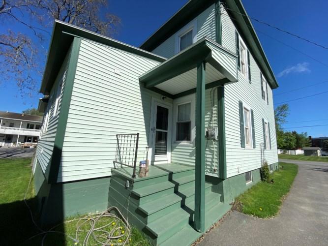 15 Thomas Avenue, Caribou, ME 04736