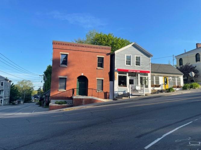 898 Main Street, Waldoboro, ME 04572