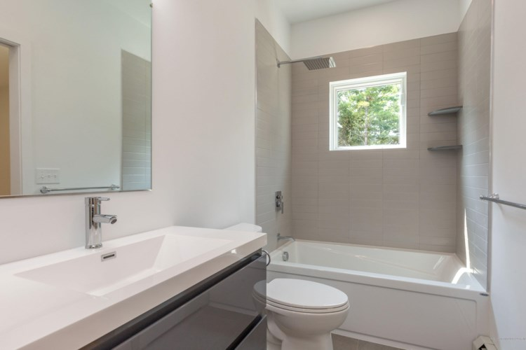 15 Brook Hollow Drive, Harpswell, ME 04079