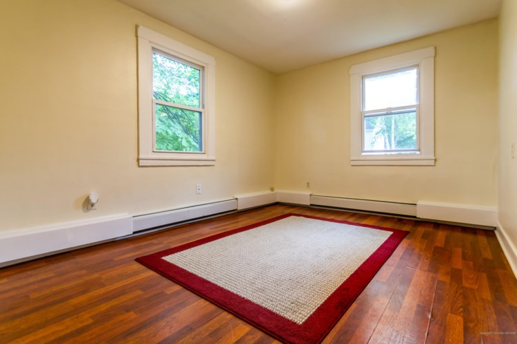 4 Flagg Street Place, Augusta, ME 04330