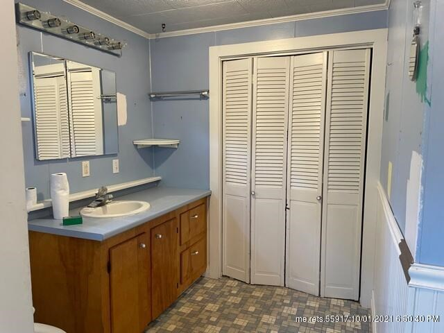 32 West Meadow Road, Rockland, ME 04841