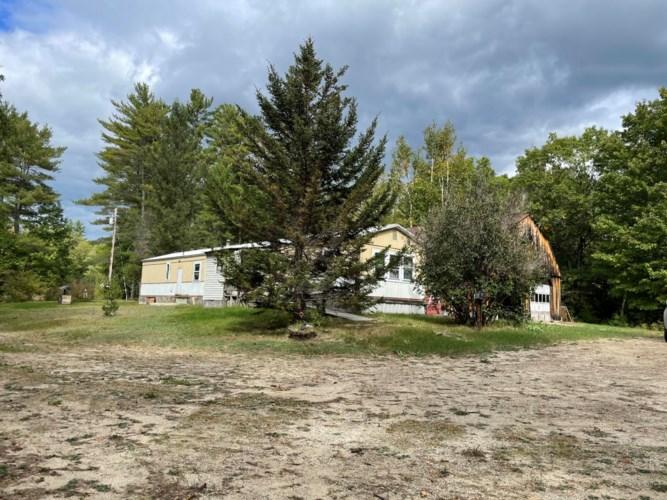 32 Hapgood Road, Sweden, ME 04040