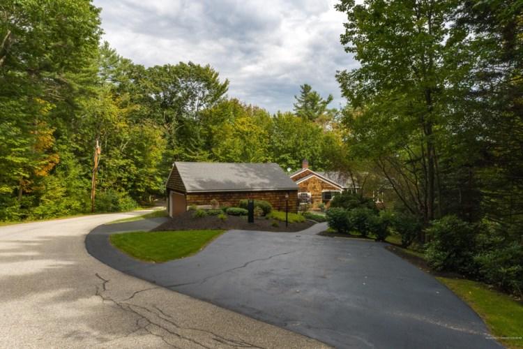 25 Evergreen Road, Auburn, ME 04210