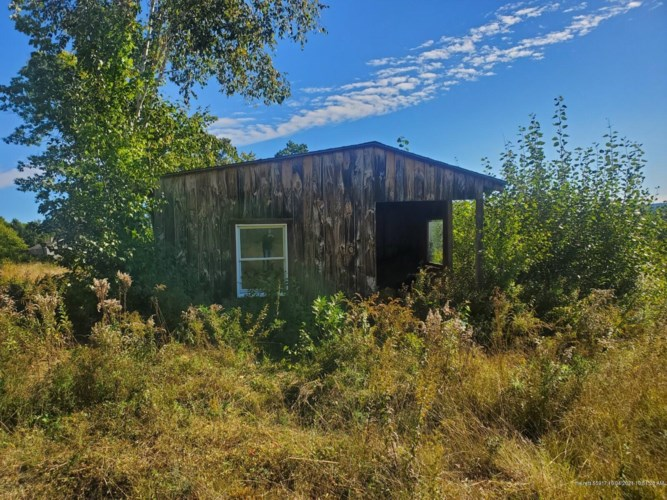 44 Sunny View Drive, Oxford, ME 04270